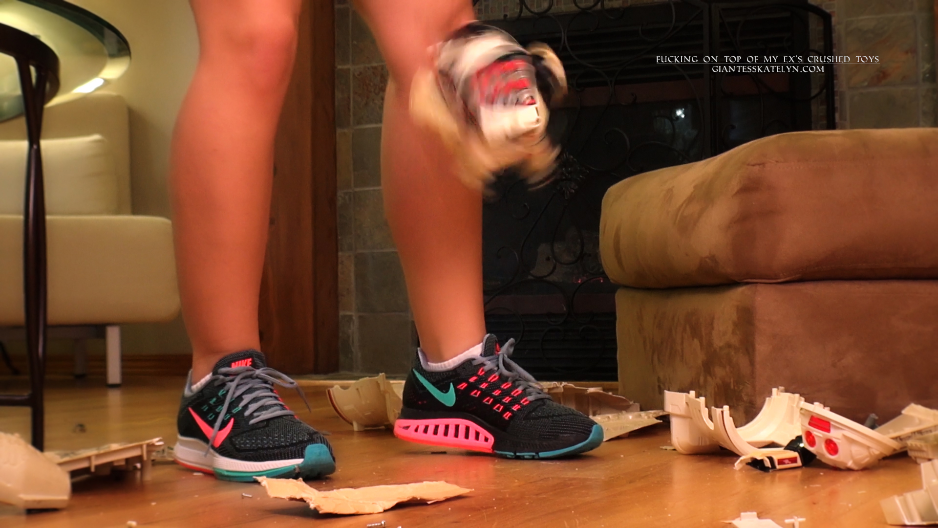 sneaker-crush-fetish-videos