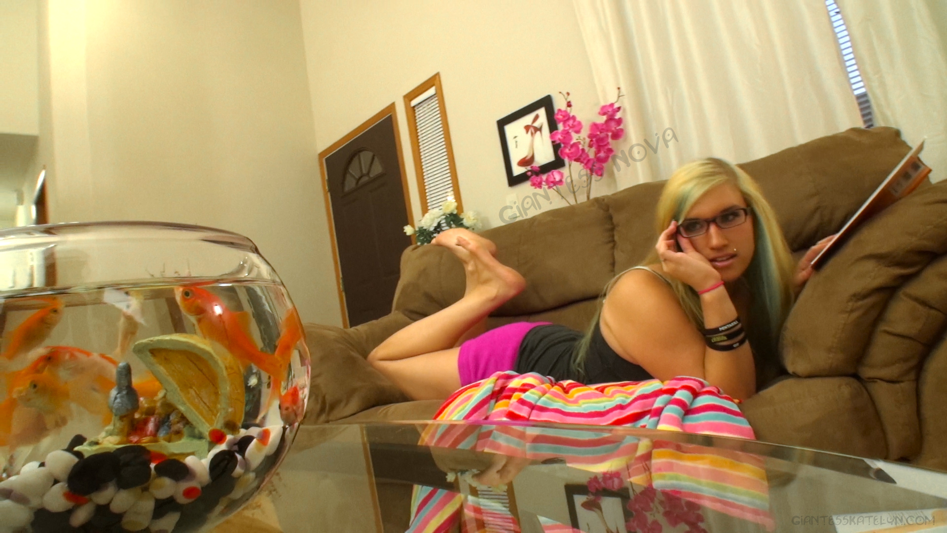 Vore scat giantess naked clip
