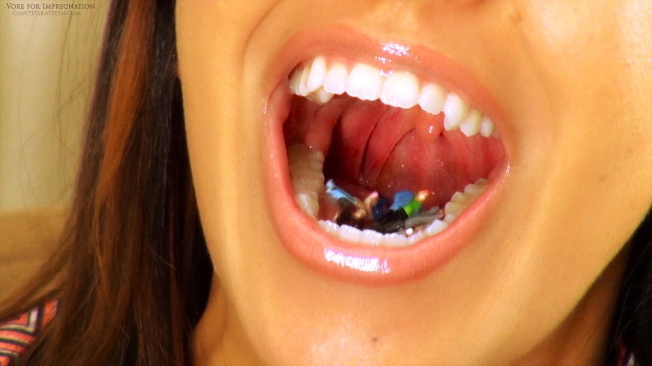 giantess mouth